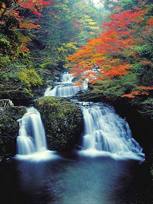 荷担(にない)滝